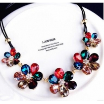 Crystal Flower Pendant Women's Korean short paragraph clavicle simple chain in Europe and America