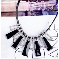 Clavicle necklace crystal necklace fashion sweater chain in Europe and America